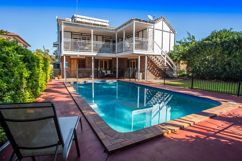 Ainslie Manor Bed and Breakfast Holiday Rental., vacation rental in Deception Bay