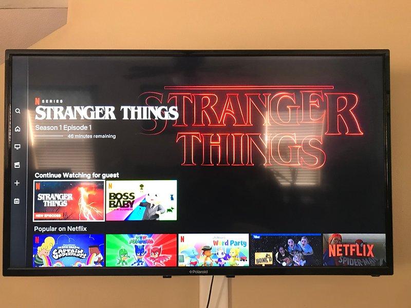 Salon TV avec Netflix