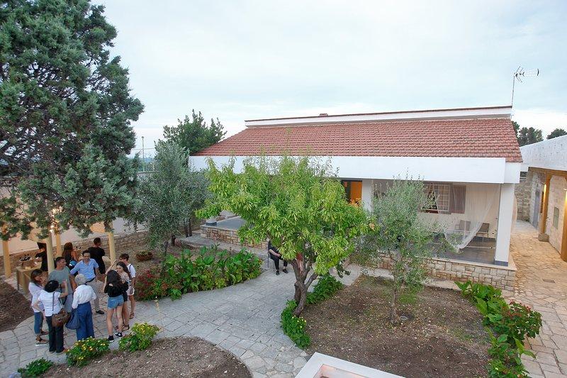 Villa a mare B&B Room 2, vacation rental in Giovinazzo