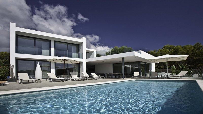 Villa Maddox, holiday rental in Cala Llenya