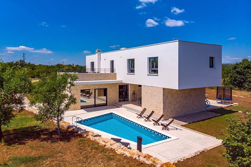 Modern, comfortable property for 6+2 people in Ugljane, unspoiled environment