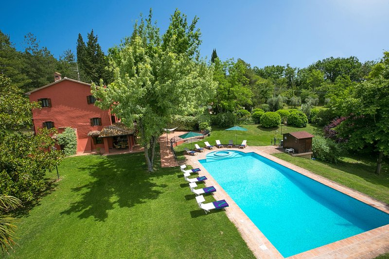 Giove Villa Sleeps 9 with Pool Air Con and WiFi - 5604870, vacation rental in Penna in Teverina