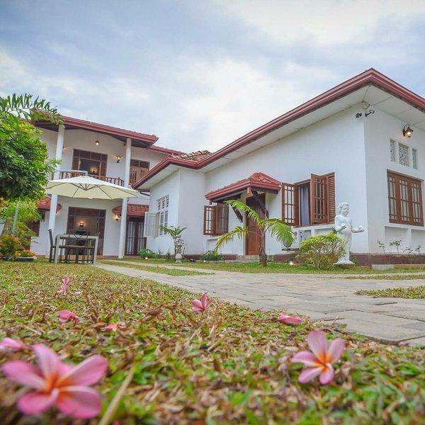 Dennislandvilla- Aurora, holiday rental in Moratuwa