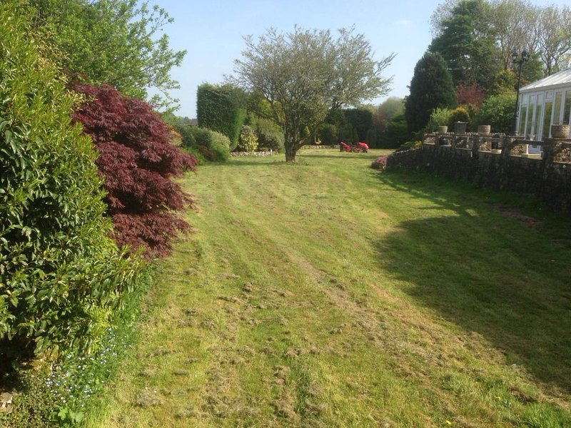 greystones r 2 wing of bungalow/smallholding in peak park in buxton, holiday rental in Buxton