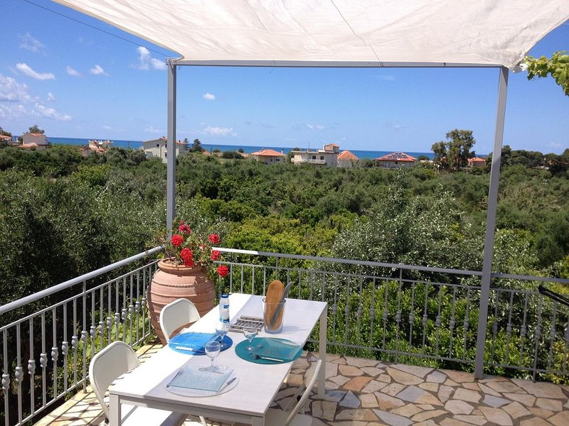 Big house with sea view & terrace, holiday rental in Neochori