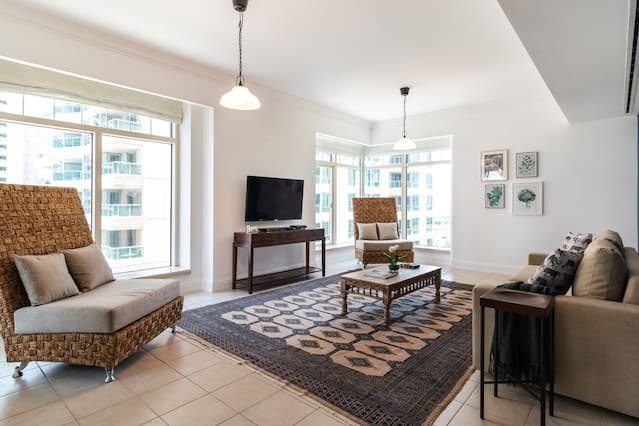 Stunning 3BR in Dubai Marina with Scenic Views!, vacation rental in Jebel Ali