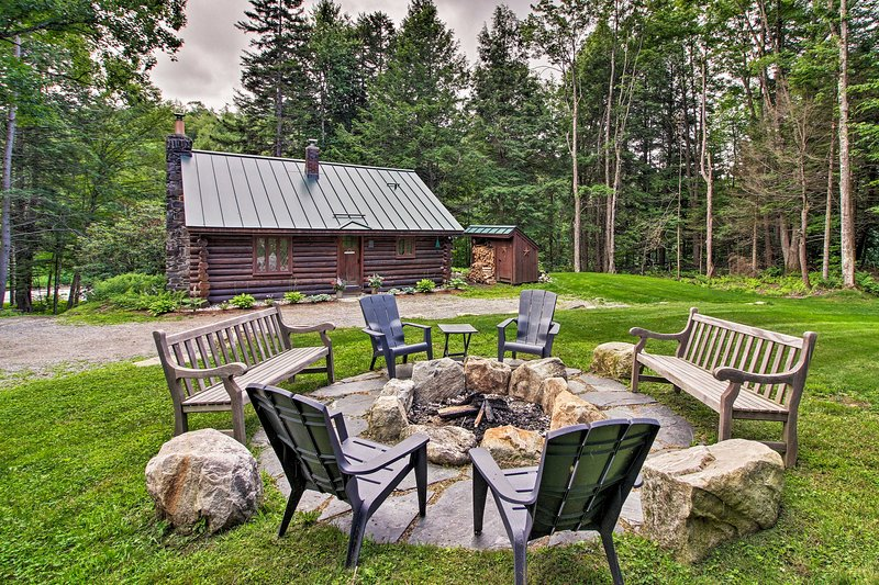 Award-Winning Log Cabin, Top 5 in New England!, holiday rental in Londonderry