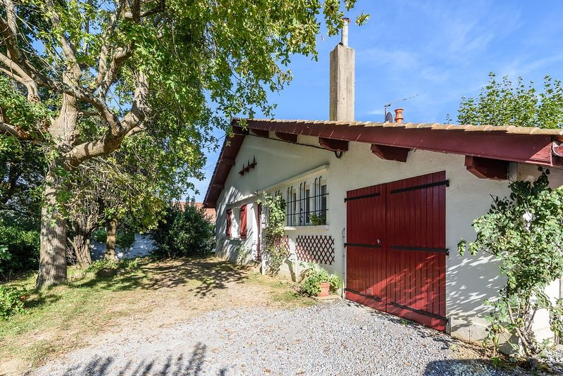 Beautiful house in Bidart, casa vacanza a Arbonne