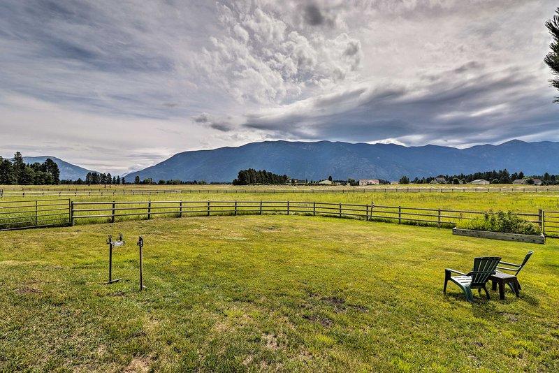 The 1-bedroom, 1-bathroom cabin boasts stunning mountain views.