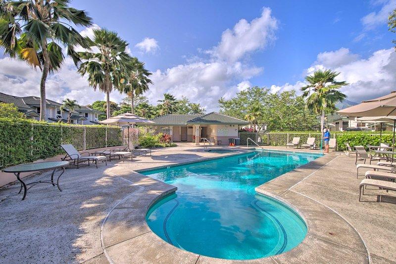 La piscine communautaire est idéale pour les chaudes journées d'été.