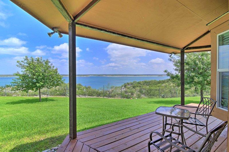 Del Rio Home w/ Lake Access & Boat Storage!, holiday rental in Del Rio