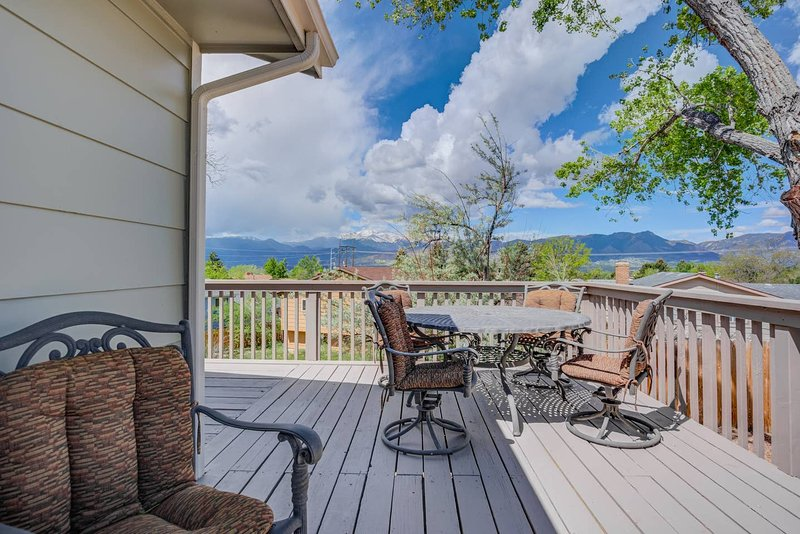 *New* Expansive Peak Views, 6BR House, Near USAFA, vacation rental in Black Forest