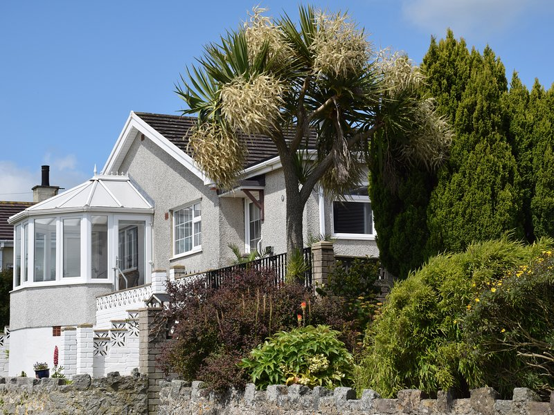 Cororion Cottage, Benllech, holiday rental in Brynteg