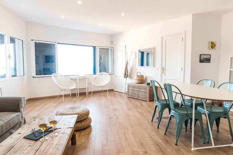 Living-dining room in a large and open space, with the best views of Corralejo — Living-dining room