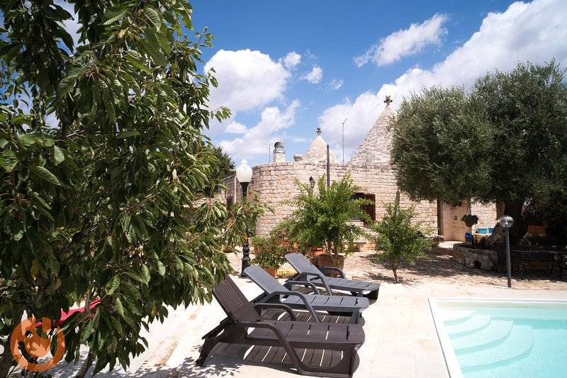 Trullo Paan Pascarosa Ostuni by Typney, holiday rental in Chiobbica