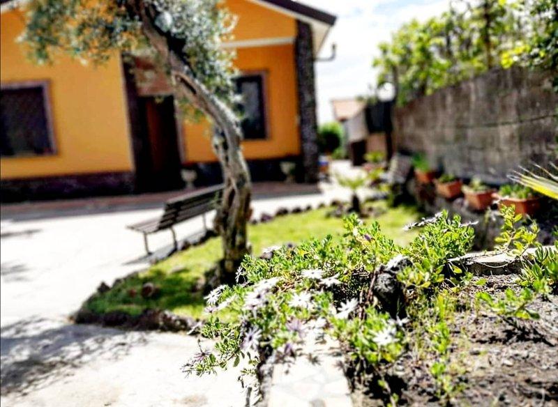 Etna Family Casa vacanza, holiday rental in Adrano
