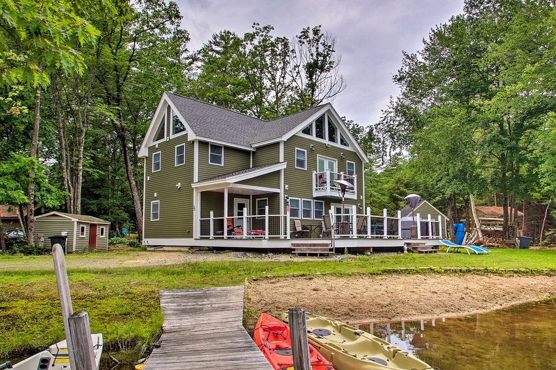 Waterfront Island Home Close to Little Squam Lake!, aluguéis de temporada em Plymouth