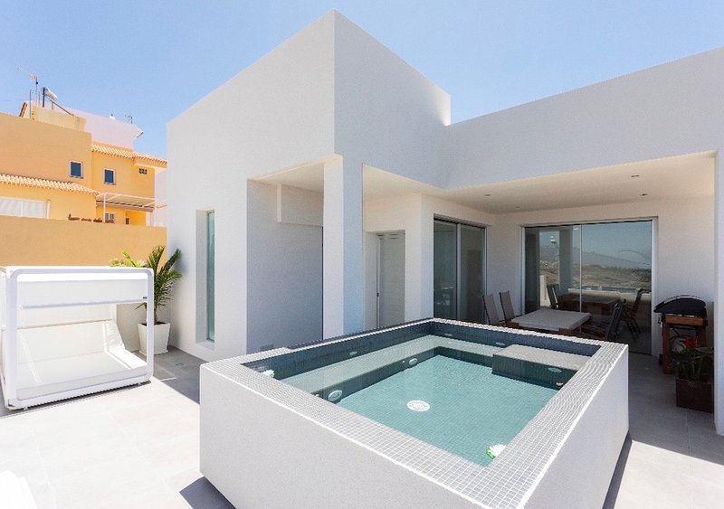 Amazing house with swimming-pool, holiday rental in Barrio Los Menores