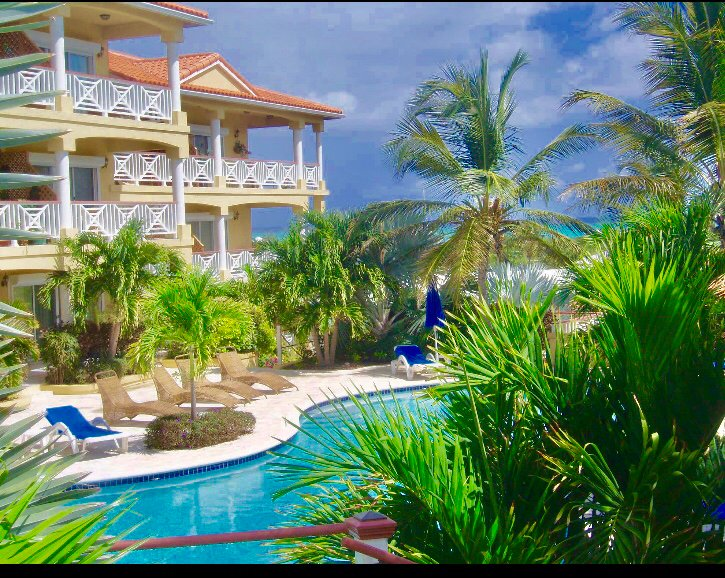 Pearl of Paradise -Entire 1BR- Minutes walk to the Beach, vacation rental in Turtle Cove