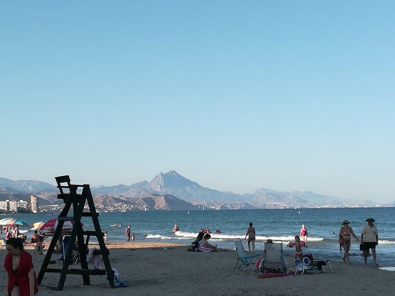 Alicante alojamiento turístico siete plazas SAXRURAL, aluguéis de temporada em Benimantell