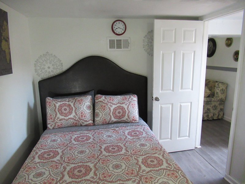 Quaint and Comfortable, aluguéis de temporada em Central Islip