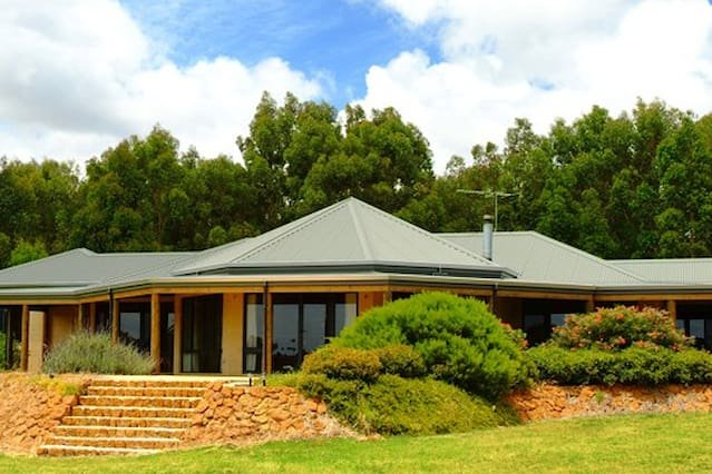 Rural Hideaway - Yallingup, vacation rental in Margaret River Region