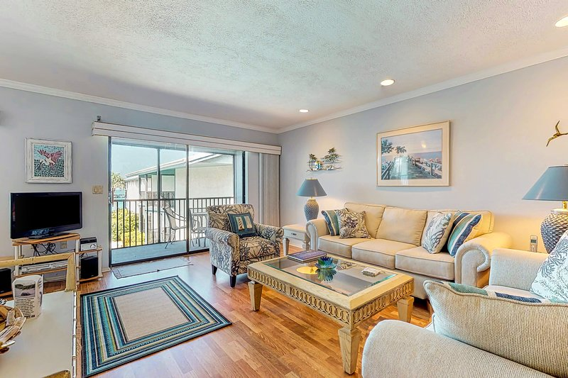 Waterfront getaway w/ Gulf view, shared pool & tennis court, vacation rental in Holmes Beach