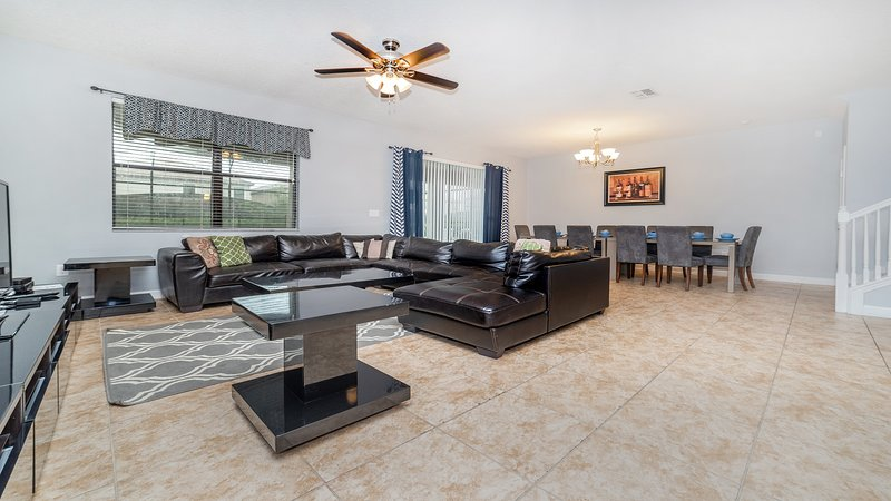 ✦Minutes from Orlando Theme Parks✦Perfect Family Villa w/Pool & Theater Room✦, vacation rental in Polk City