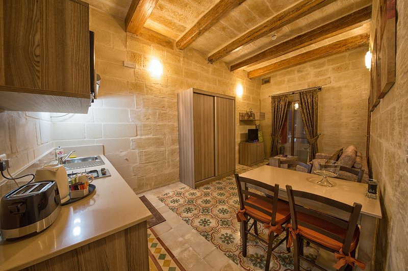 Quayside Apartments - Jeffrey, vacation rental in Marsaxlokk