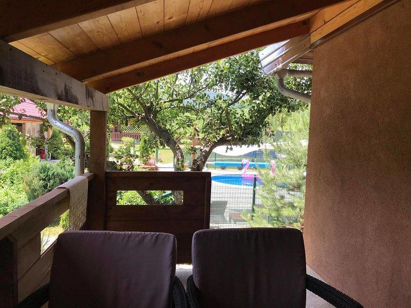 Drage Apartment Sleeps 3 with Pool and Air Con - 5810507, location de vacances à Ostarski Stanovi