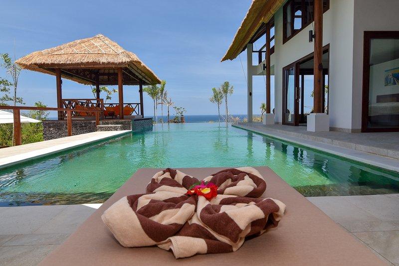 Villa Lakhsmi - LUXURY VILLA WITH 180 ° SEA VIEW, holiday rental in Temukus