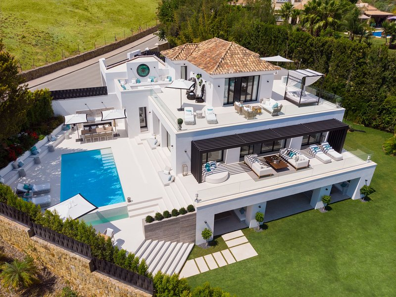 Newly built luxury villa in Marbella for rent, holiday rental in Nueva Andalucia