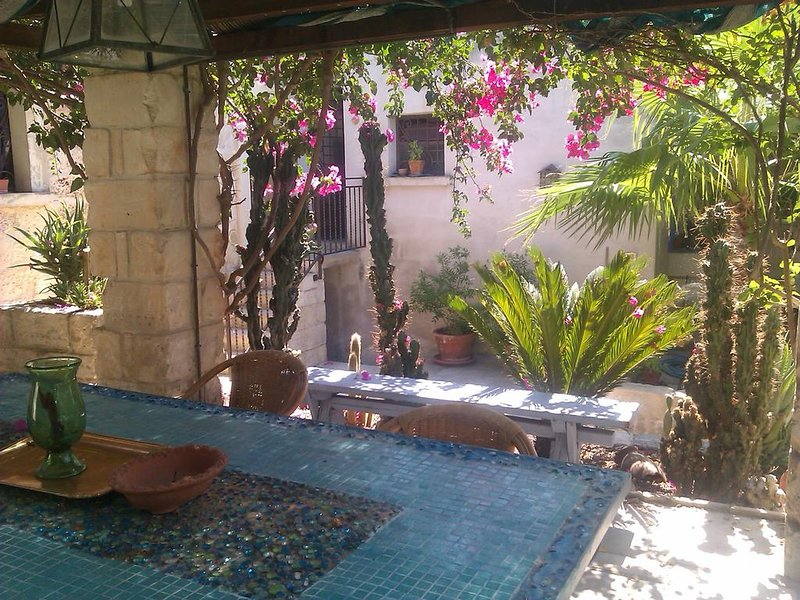 Amazing apt for 9 holidaymakers, vacation rental in Serrano
