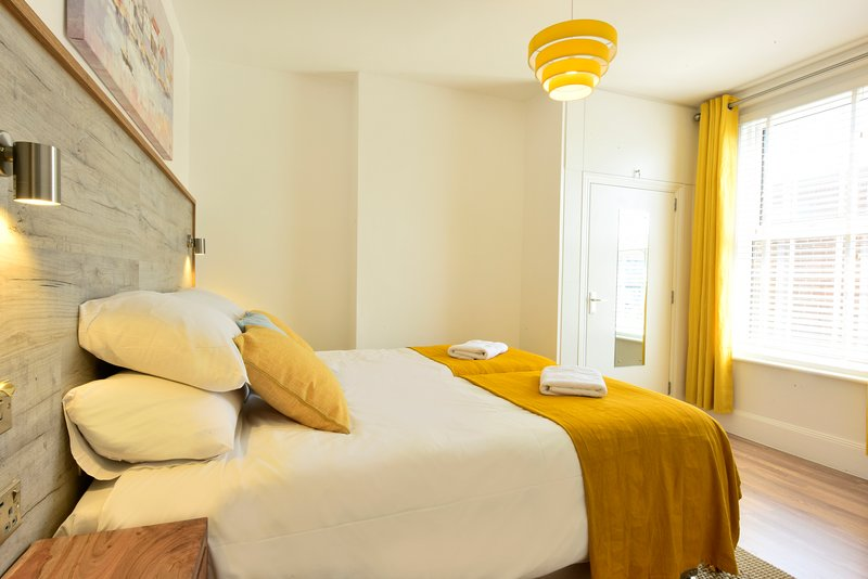 Grosvenor House - Beautifully renovated home, close to the beach, location de vacances à Margate
