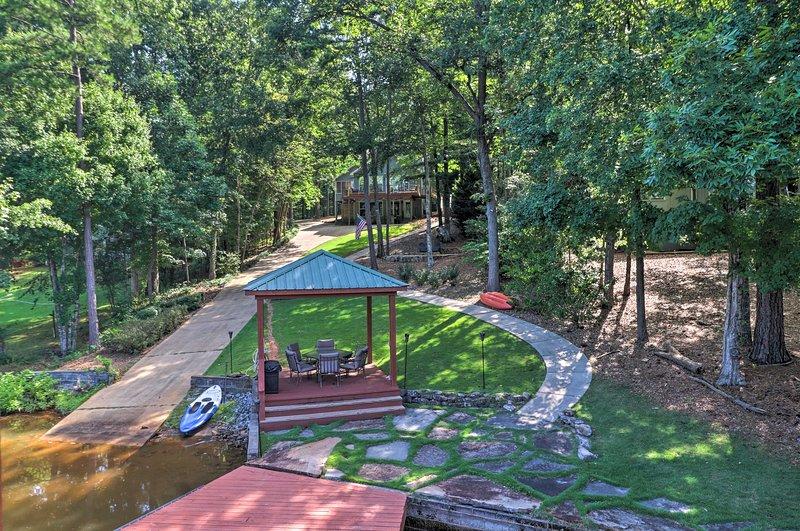 Backyard Oasis | Direct Lake Access