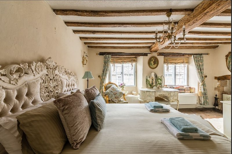 Tudor Cottage Romantic Cottage in Fairford Cotswolds, Once owned King Henry VIII, vacation rental in Fairford