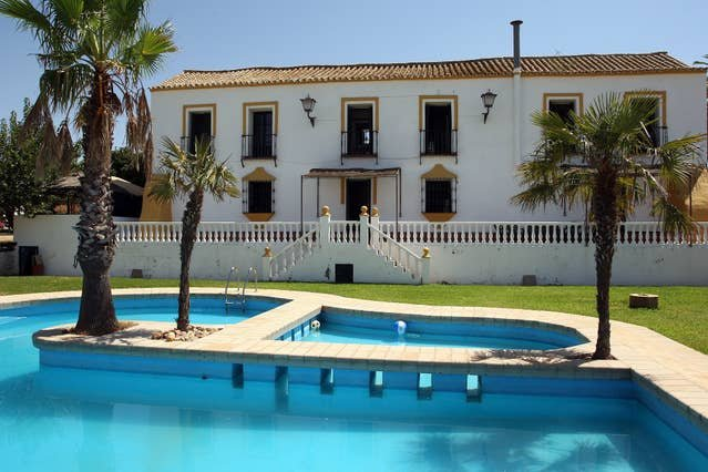 Amazing villa with swimming-pool, vacation rental in Dos Hermanas