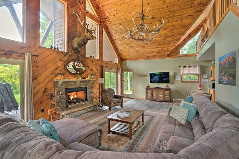 This stunning vacation rental cabin is calling you home!