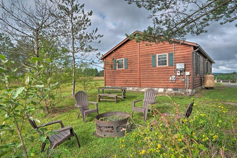 Rustic Benezette Cabin W Porch Hot Tub Fire Pit Updated