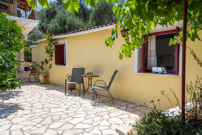 VOULA APARTMENT 3, holiday rental in Antipaxos