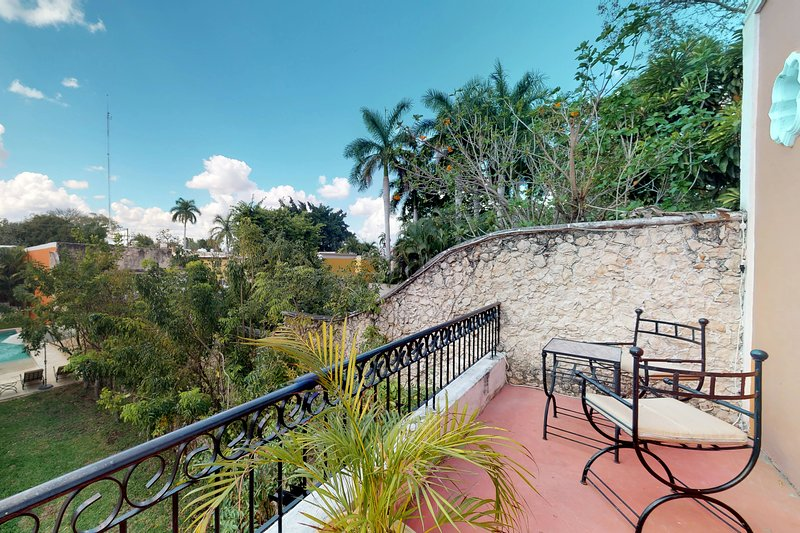 NEW LISTING! Villa in great location w/ shared kitchen, living area, pool, vacation rental in Merida