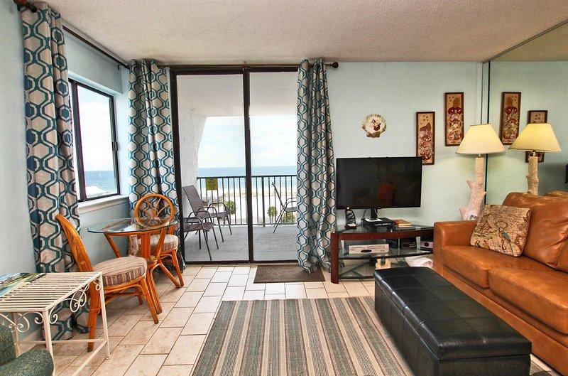 7th Floor Beach View Living Room
