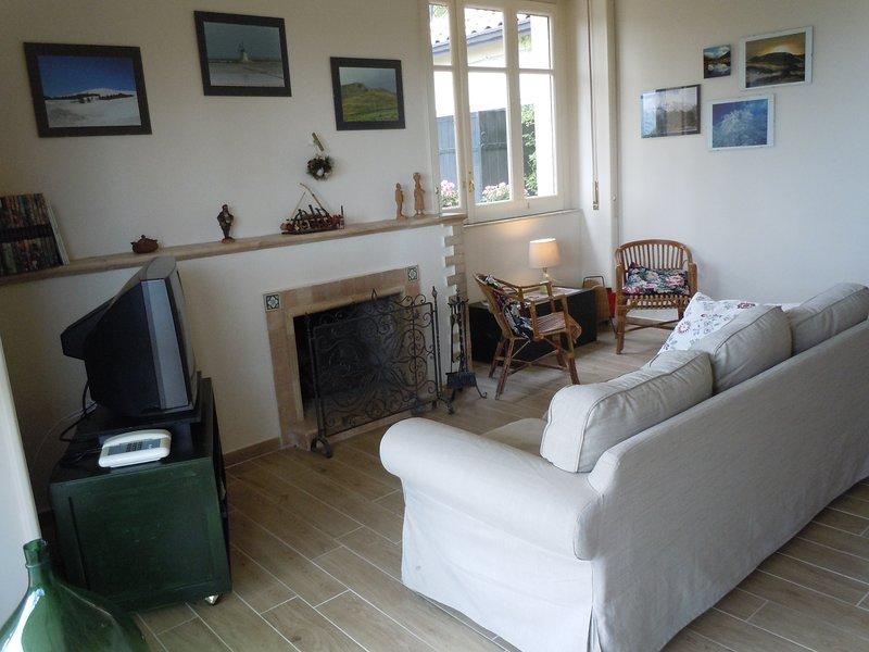 villa nel parco dell'Etna ideale per 1o2 coppie prezzo inteso per stanza., location de vacances à Milo