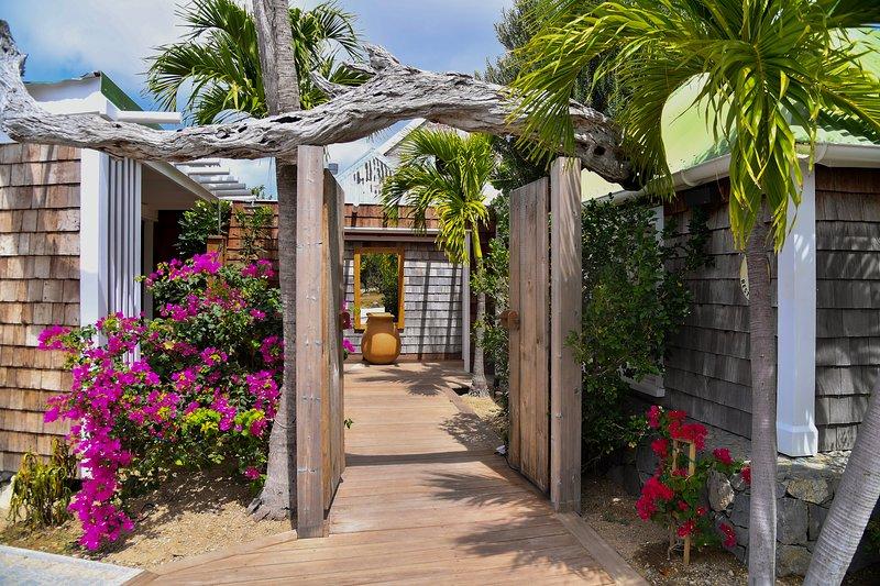 Amazing villa near the beach & Wifi, holiday rental in Salines