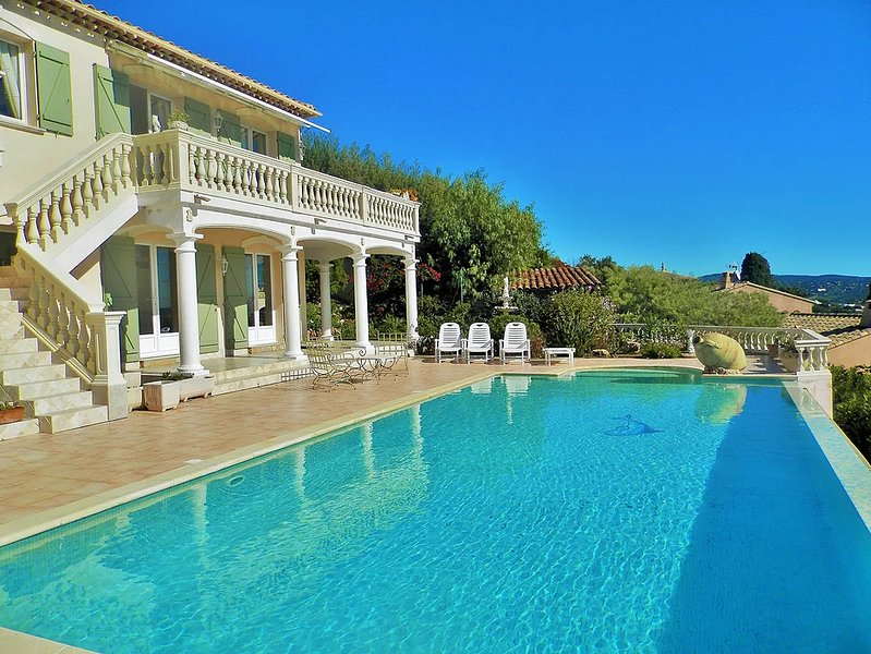 Amazing apt with swimming-pool, holiday rental in Cavalaire-Sur-Mer