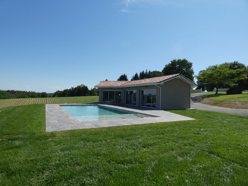 Amazing house with shared pool, vakantiewoning in Benesse-les-Dax