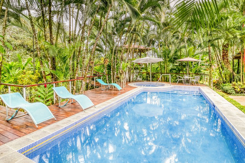 Exotic and inviting house w/private pool, garden views & surrounded by nature!, vacation rental in Quesada