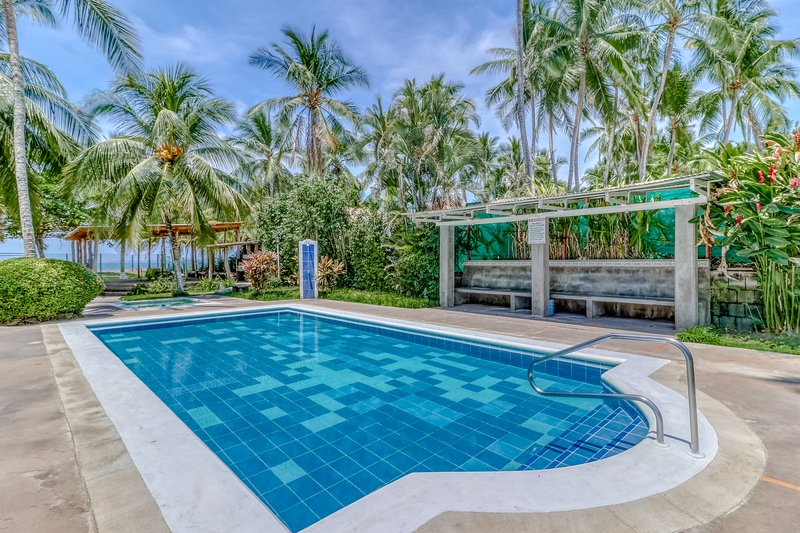 Well-situated villa at beachfront property w/shared pool & gardens!, vacation rental in Puntarenas