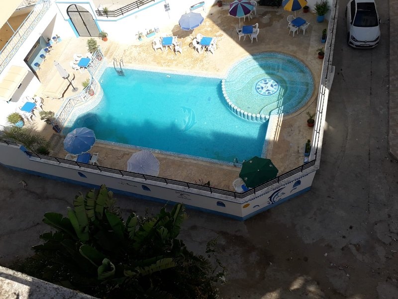 Spacious apartment with shared pool, casa vacanza a Asilah