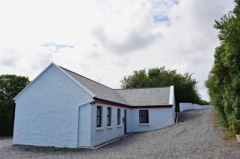Cottage 344 - Clifden - Cottage 344 - Clifden, holiday rental in Clifden